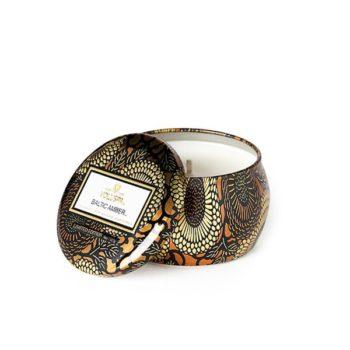 Компактная travel-свеча BALTIC AMBER от VOLUSPA в интернет-магазине ароматов для дома Candlesbox
